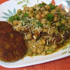 Aloo tikki (potato patties)