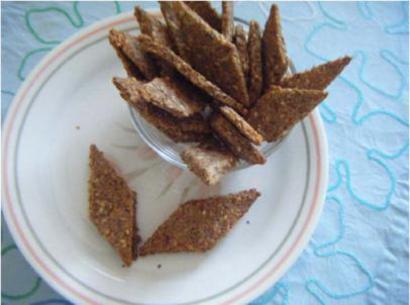 Sesameflaxseedcrackers