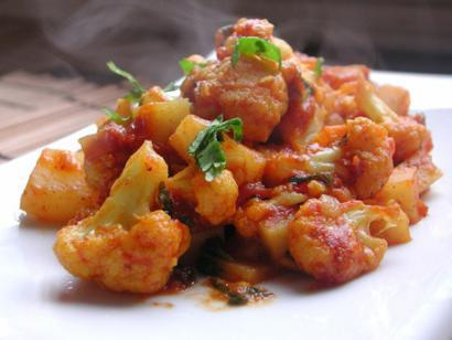North Indian Curried Cauliflower and Potatoes