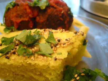 Steamed Semolina Breads Dhokla by kurma