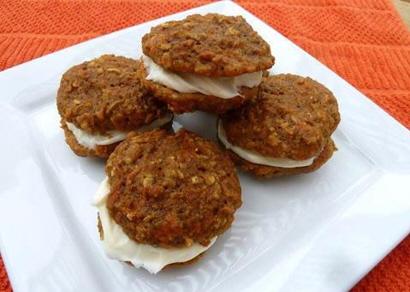 Carrot Cake Oatmeal Cream Pies