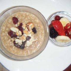 Oatmeal with Nuts and Fruits