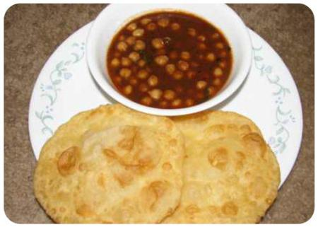 Spicy curried chickpeas and fried bread