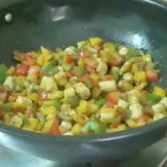 Bell Pepper & Baby Corn Sabji with Lachhedar Paratha